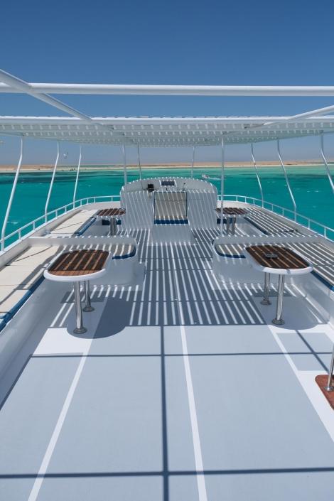 boat trip Makani Beach Club
