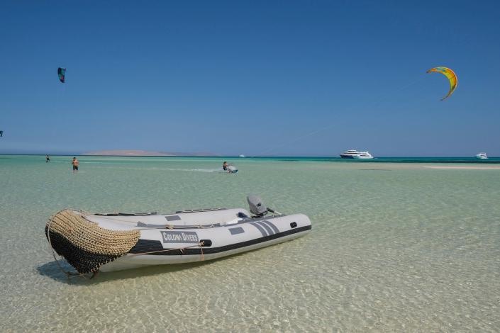 Rescue boat Makani Beach Club