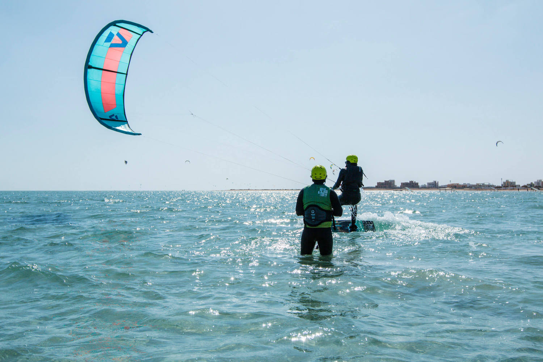 waterstart kitesurfing